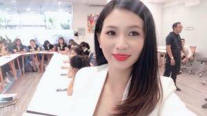 huyen-thoai-nu-doanh-nhan-thanh-cong-thuong-hieu-d-s-white